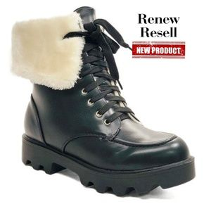 Hot Topic Black Faux-Fur Lined Combat Boot